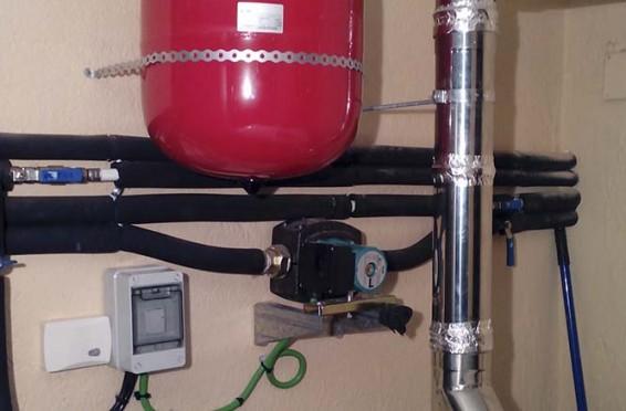 Combinación caldera pellet con caldera electrica